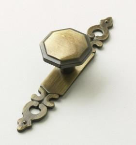 Bronze--Octagonal-Knob-&-Plate