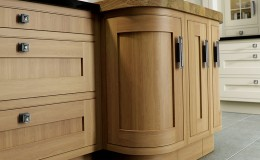 Iona-Inframe-Light-Oak-Cameo-quad-doors-island