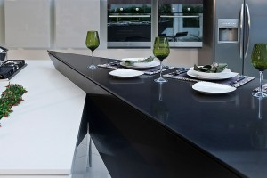 silestone-quartz-kitchen-cocina-blanco-zeus-carbono-pulido-polish-2
